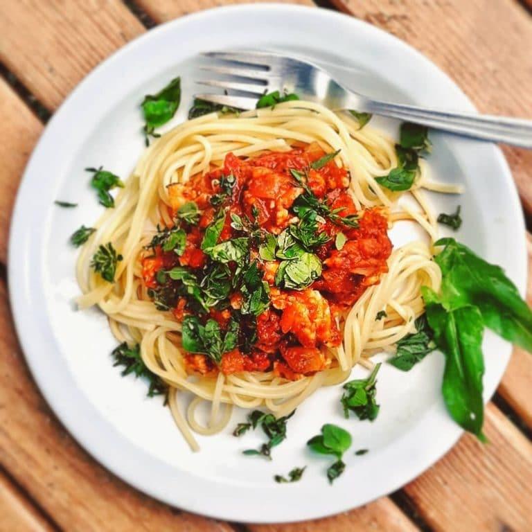 Spaghettis_aux_tomates_fraiches_et_basilic