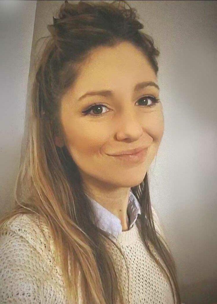 photo d'Audrey qui est graphiste dans l'agence Yield